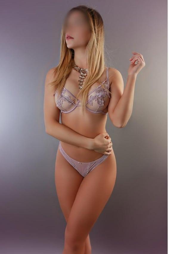 Rebeca-tu-escort-ideal-para-juegos-sexuales